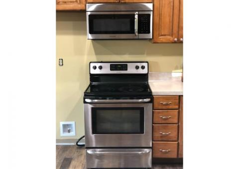 Frigidaire Kitchen Appliance Set